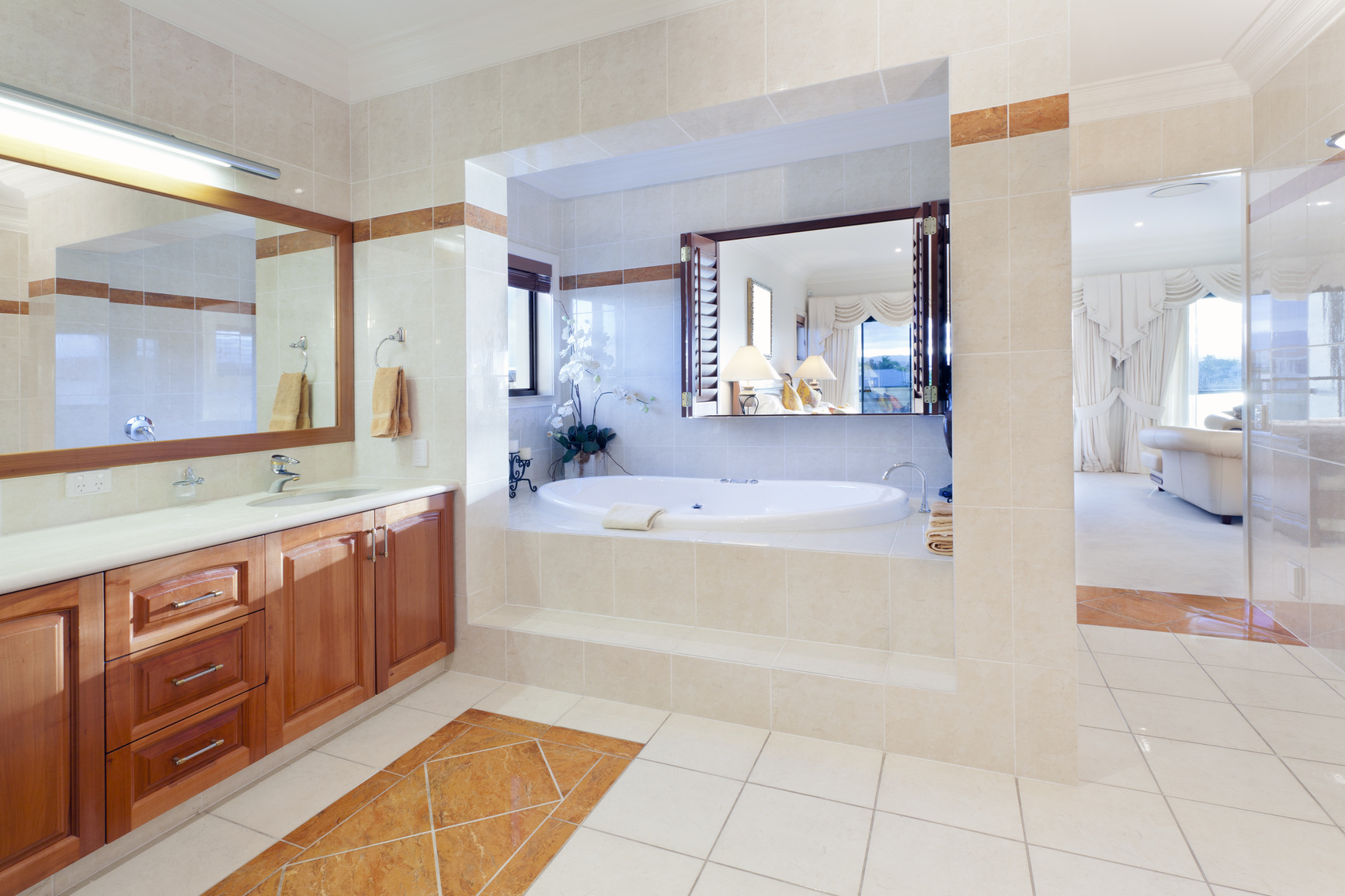 Quality san diego custom cabinets for Pictures of big bathrooms